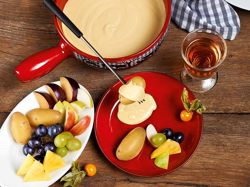 Käsefondue mit Früchten